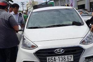 Nghi phạm buôn bán ma túy tông ôtô vào xe máy Cảnh sát