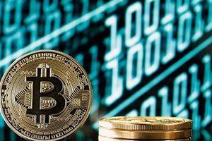 Giá Bitcoin hôm nay: Tăng điên cuồng, vượt đỉnh 11.000 USD sau 15 tháng