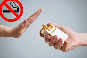 Cấm bay 2 hành khách vì lén hút thuốc, chây ì nộp phạt