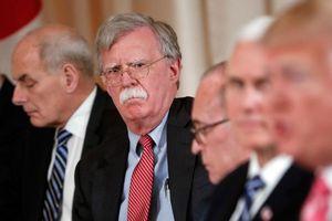 Tổng thống Trump bực dọc vì nhóm cố vấn an ninh quốc gia cố đẩy Mỹ vào cuộc chiến với Iran