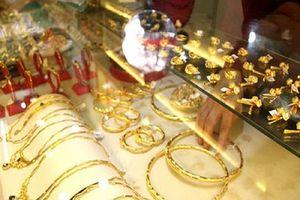 Giá vàng 'rủ nhau' lập đỉnh mới, hơn 40 triệu đồng/lượng