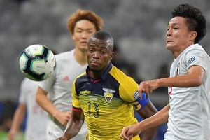 Bình luận: Bóng đá châu Á vẫn chưa thoát cảnh 'lót đường'