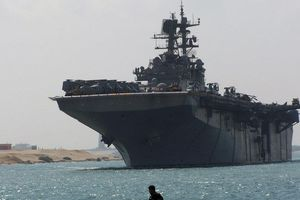 Lực lượng viễn chinh của Thủy quân lục chiến Mỹ áp sát bờ biển Iran