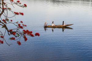 Ai đã đặt tên cho dòng sông Hương?