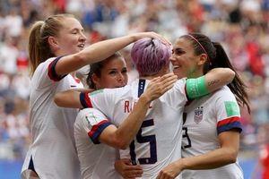 Cú đúp penalty giúp Mỹ nhọc nhằn vào tứ kết