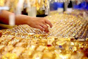 Giá vàng lại tăng lên trên 39 triệu đồng