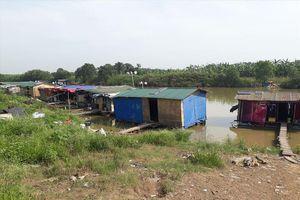 Lao xao phận ngụ cư ven sông Hồng: Mơ chốn nương thân