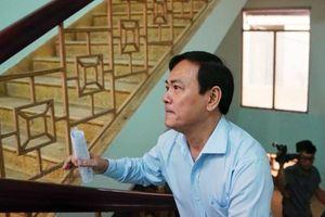 Xử Nguyễn Hữu Linh 'dâm ô' trẻ em: Vì sao Tòa triệu tập giám định viên?