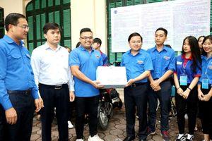 Hà Nội: Hơn 68.000 chai nước miễn phí cho thí sinh thi THPT Quốc gia 2019