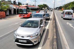 3 ôtô đâm liên hoàn trên cao tốc TP HCM - Trung Lương