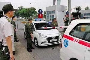 Tài xế taxi dùng dao uy hiếp nhân viên an ninh sân bay Nội Bài