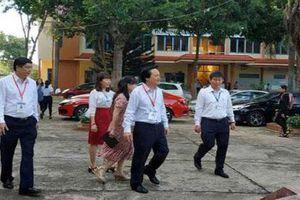 Bộ trưởng Phùng Xuân Nhạ kiểm tra công tác thi THPT quốc gia ở Đắk Lắk