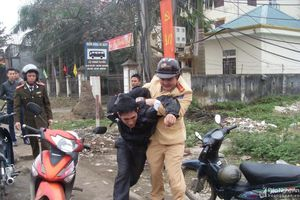 Xử lý nghiêm hành vi chống người thi hành công vụ