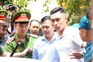Tòa trả hồ sơ vụ Nguyễn Hữu Linh dâm ô bé gái trong thang máy