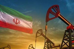 Lượng dầu thô xuất khẩu của Iran tiếp tục giảm do lệnh trừng phạt
