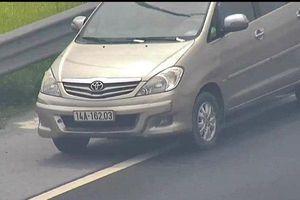 Tước bằng lái nữ tài xế Innova lùi xe trên cao tốc Hà Nội - Hải Phòng