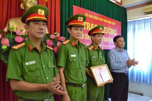 Chủ tịch UBND tỉnh trao thưởng lực lượng Công an bắt 7,2 kg ma túy