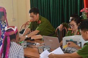 Cấp căn cước công dân lưu động ở huyện đảo Vân Đồn