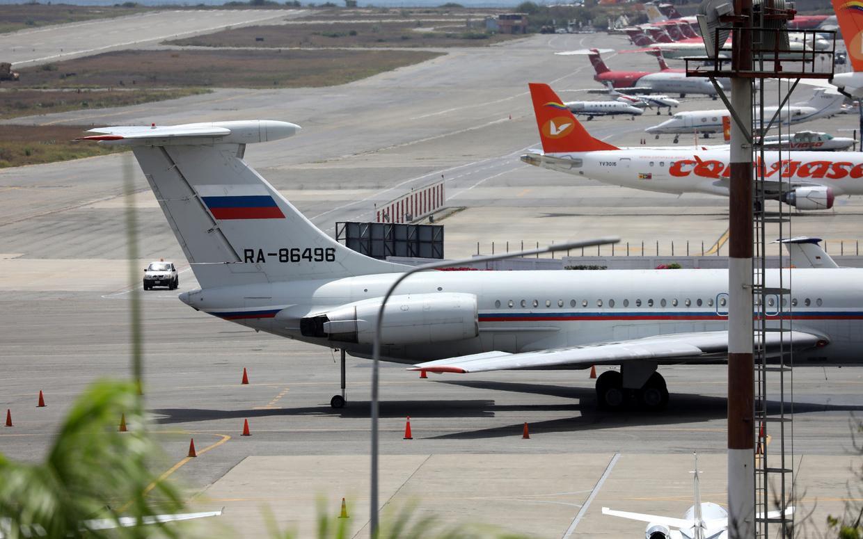 Máy bay quân sự Nga hạ cánh ở sân bay Venezuela