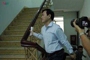 Đang xét xử sơ thẩm ông Nguyễn Hữu Linh sàm sỡ bé gái trong thang máy