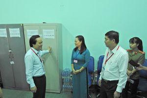 Bộ trưởng GD&ĐT kiểm tra công tác thi THPT Quốc gia 2019 tại Đắk Lắk