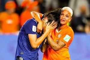 Tuyển nữ Nhật Bản bật khóc vì bị loại khỏi World Cup