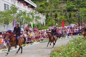 Giải đua ngựa lần đầu tiên được tổ chức tại Fansipan
