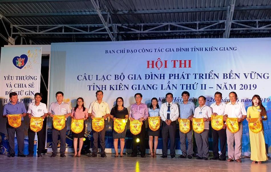 Kiên Giang tổ chức Hội thi Câu lạc bộ 'Gia đình phát triển bền vững'