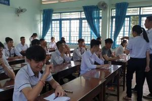 Đắk Lắk: Nữ thí sinh bị đình chỉ vì mang điện thoại vào phòng thi