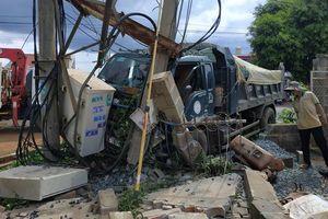 Xe tải gây tai nạn liên hoàn khiến 1 người chết, 600 hộ dân mất điện