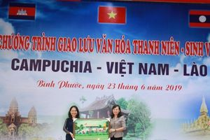 Thắm tình hữu nghị sinh viên Campuchia - Việt Nam - Lào