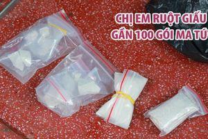 Công an đội mưa tìm gần 100 gói ma túy chị em ruột giấu trong nhà