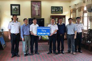 Hội CCB Tập đoàn thăm và làm việc với Lữ đoàn 679, Vùng 1 Hải quân