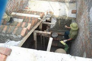 Những người thợ mưu sinh dưới nắng nóng 40 độ C giữa lòng Hà Nội
