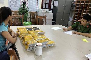 Công an Lạng Sơn thu giữ hơn 200 chiếc điện thoại Iphone