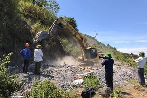 Đánh sập 45 hầm mỏ thiếc hết hạn ở Nghệ An