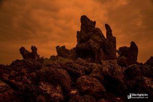 Sửng sốt hình thù kỳ thú của núi đá biển Quỳnh