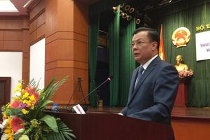 Bộ trưởng Đinh Tiến Dũng lo ngại tiến độ giải ngân vốn ODA, vay ưu đãi chậm