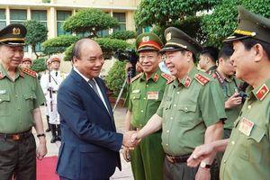 Thủ tướng: Xây dựng đội ngũ cán bộ công an trọng dân, gần dân, học dân