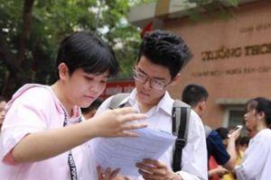 Hàng chục thí sinh TP.HCM làm bài muộn vì... thiếu đề thi tổ hợp KHTN
