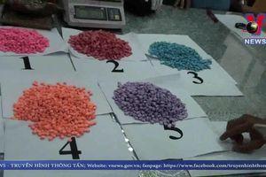 Bắt giữ hơn 14kg ma túy trong hàng chuyển phát nhanh