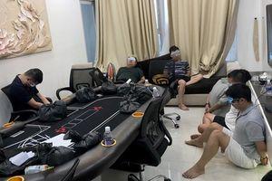 Đột kích sòng bạc Poker của Long 'râu' giữa phố Sài Gòn