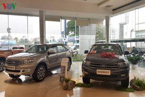 Xe nhập khẩu 'tăng tốc' về Việt Nam, giá xe giảm mạnh