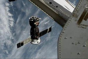 Tàu vũ trụ Soyuz đưa các phi hành gia quay về Trái Đất an toàn