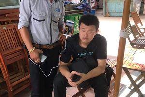 Đưa nam thanh niên Trung Quốc giả câm điếc bán hàng dạo ở Đà Nẵng về nước