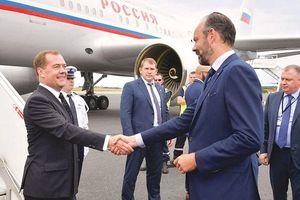 Thủ tướng Nga thăm Pháp: Mở ra không gian đối thoại hiệu quả