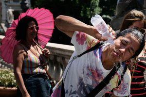 Châu Âu trong đợt nắng nóng như 'địa ngục'