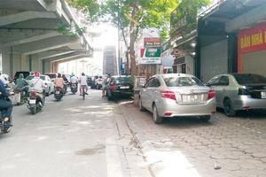 Tràn lan vi phạm trên phố Hoàng Cầu