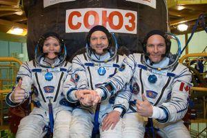 Phi hành đoàn tàu vũ trụ Nga trở về Trái đất an toàn