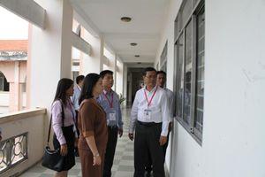 Thứ trưởng Nguyễn Văn Phúc lưu ý công tác chấm thi